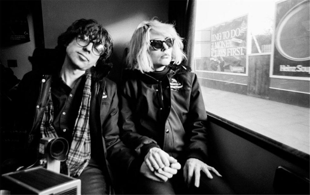 Chris Stein and Debbie Harry Blonde holding hands