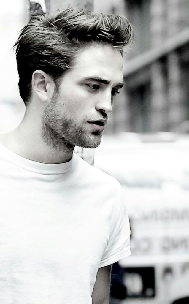 rob pattinson wearing a classic white t-shirt