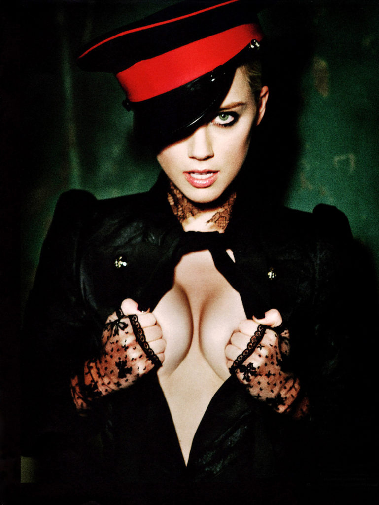sexy photograph of amber heard revealing her volupultous bosoms shot by ellen von un werth
