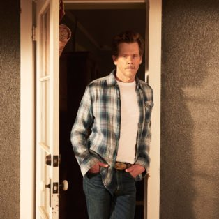 Photograph of Kevin Bacon as the character Dick in I Love Dick TV Series