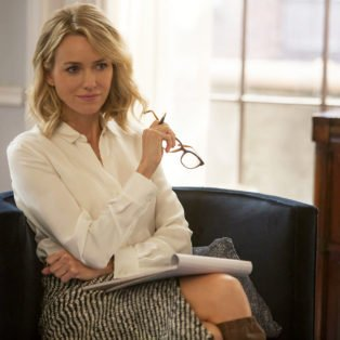 Photograph of Naomi Watts as the therapist character Jean in tv series Gypsy