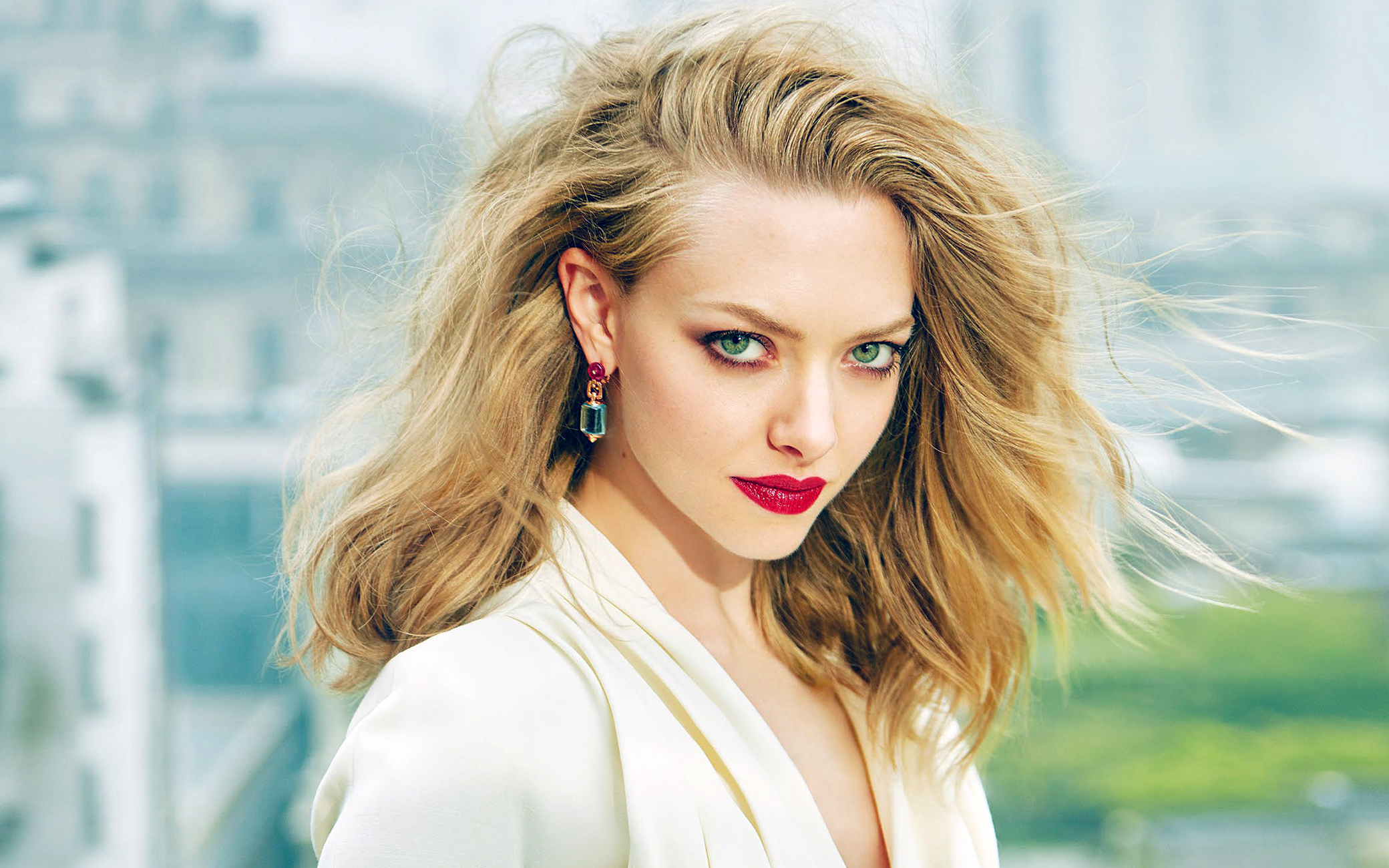 Amanda Seyfried Hot Video sexiest actors of gringo - provokr