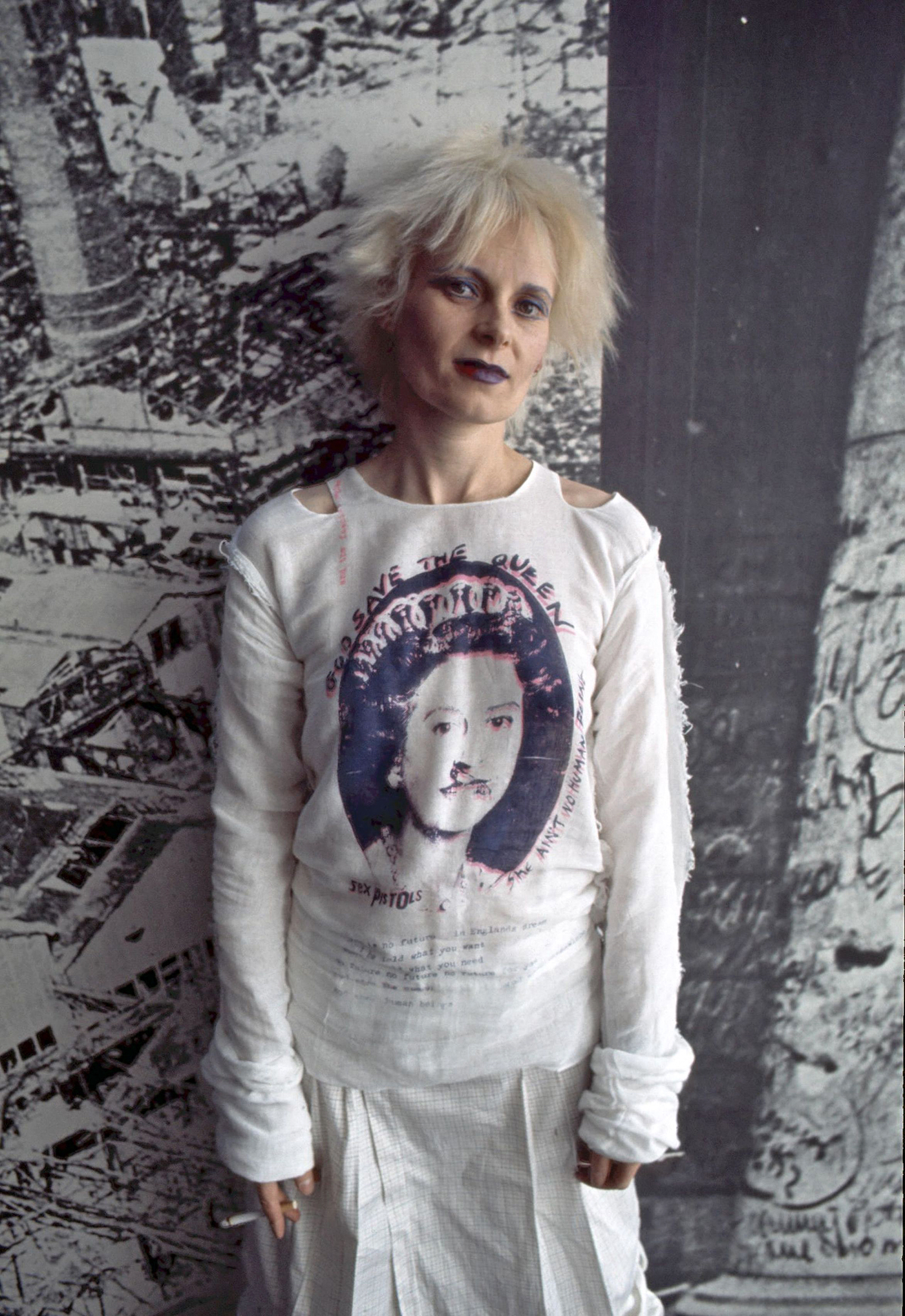 vivienne-westwood-save-the-queen