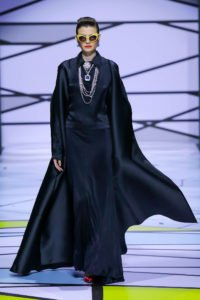 runway model in large sunglasses and black garb-contemporary-muslim-fashions-de-young-museum