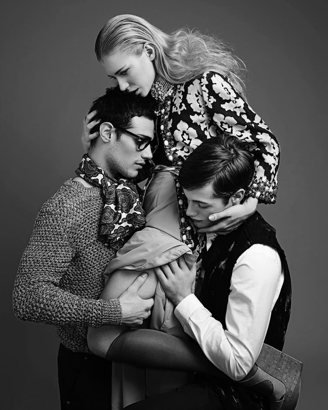 photograph of a threesome by nicolas guerin