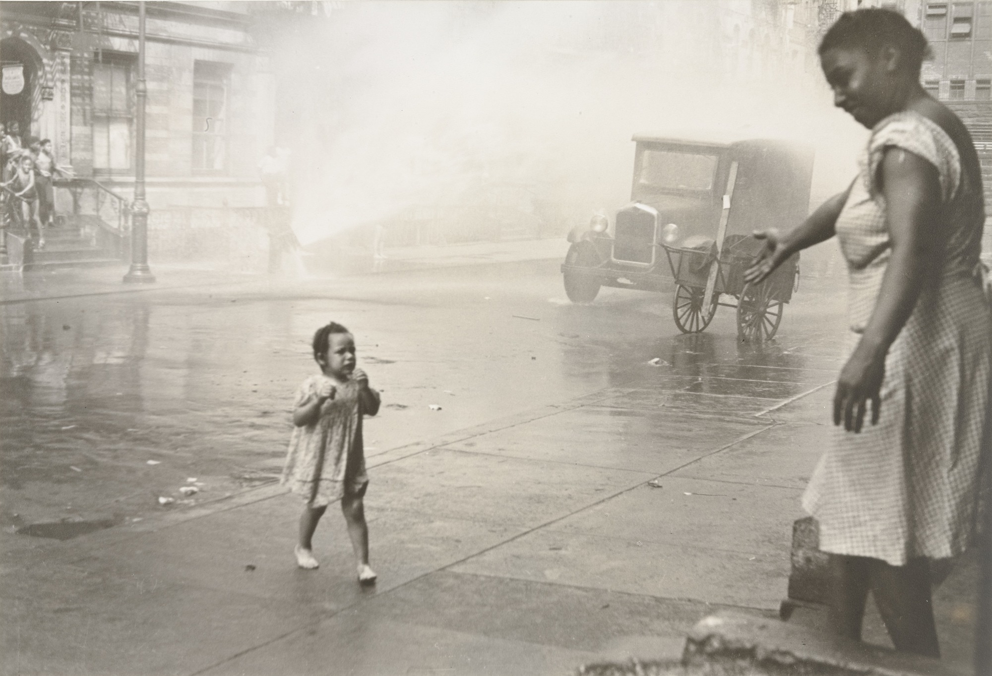 Mother and child in Brooklyn by Helen Levitt