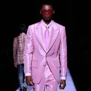 Sexiest Mens Designer-Tom Ford-photo of runway model wearing hot pink suit
