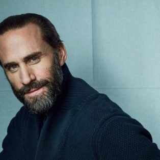 Best Supporting Actor Joseph Fiennes