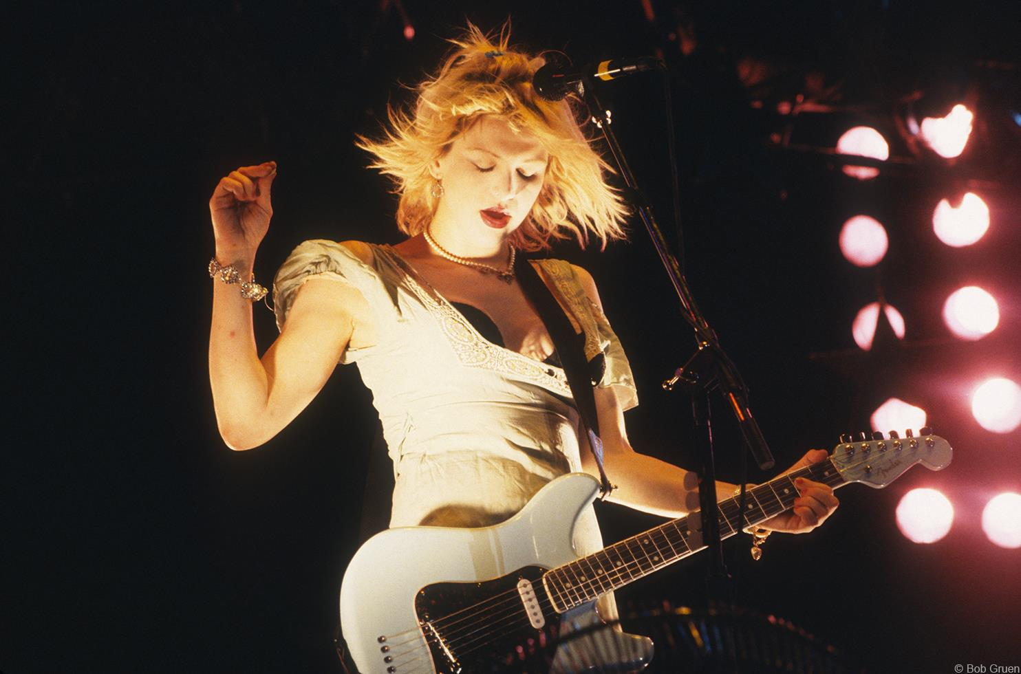 Courtney Love playing with Hole in NYC in the '90s